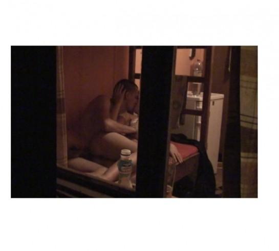 секс на балконе скрытой камерой разврат